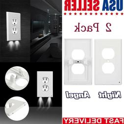 Night Angel Lighted Wall Outlet Coverplate with Automatic Li